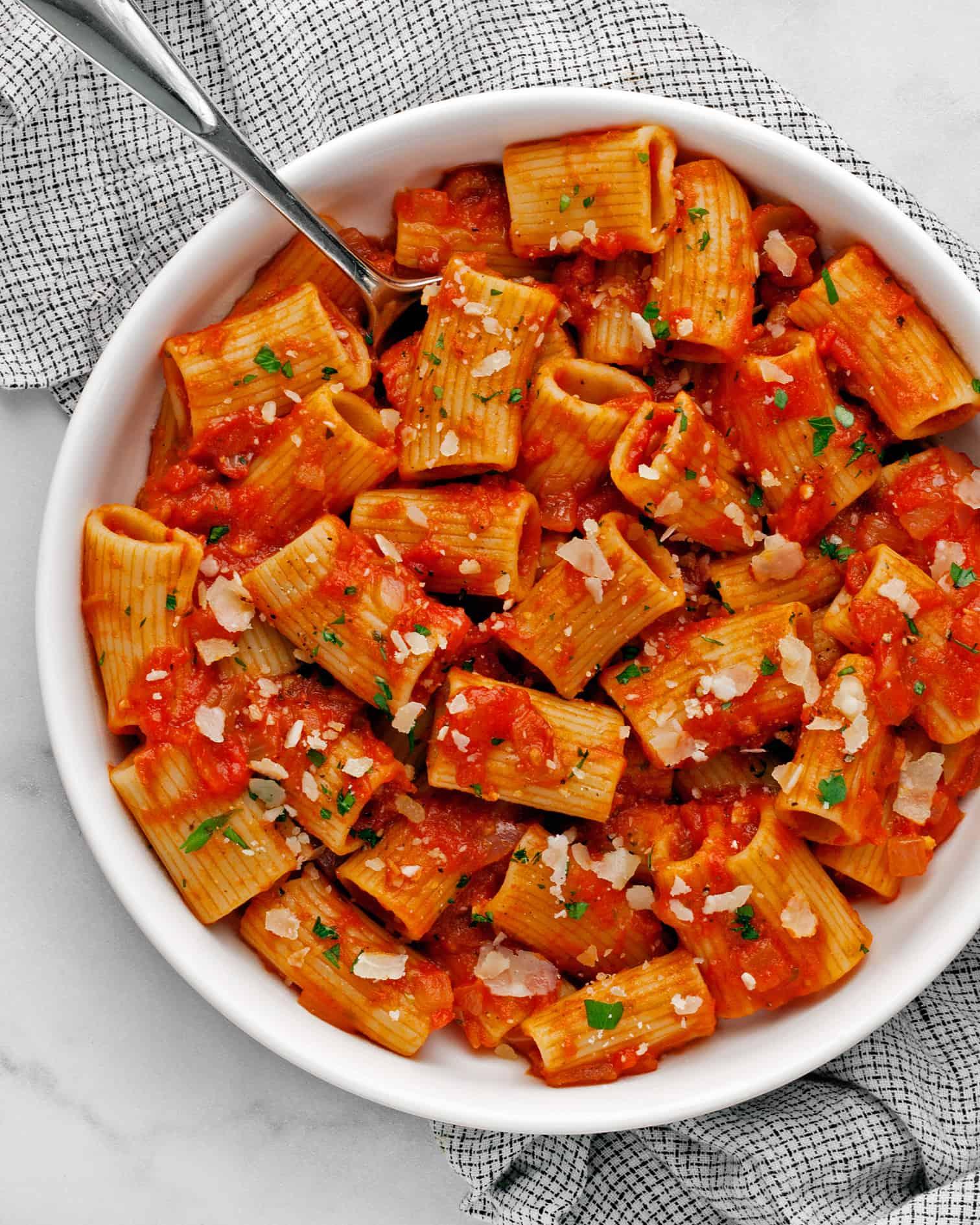 Rigatoni with Tomato Sauce